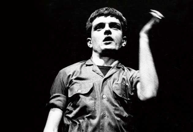 ian-curtis-dnacing