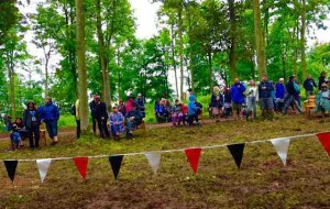 audience gathers at Carvetti, Kendal Calling 2015